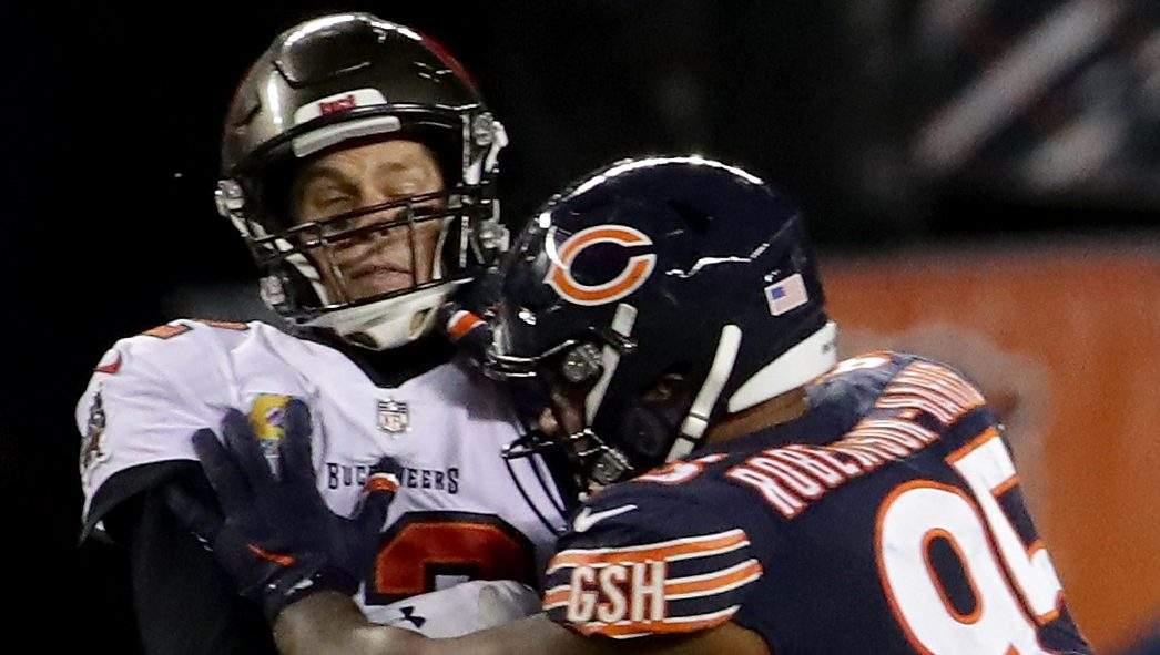 Nick Foles vuelve a superar a Tom Brady