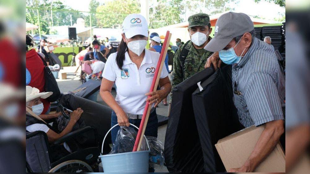 Acompaña Laura Fernandez a la SEDENA a entrega de apoyos en Leona Vicario