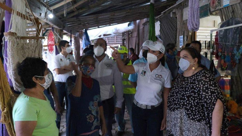 """Constatan Laura Fernández y Marisol Vanegas daños del huracán """"Zeta"""""""