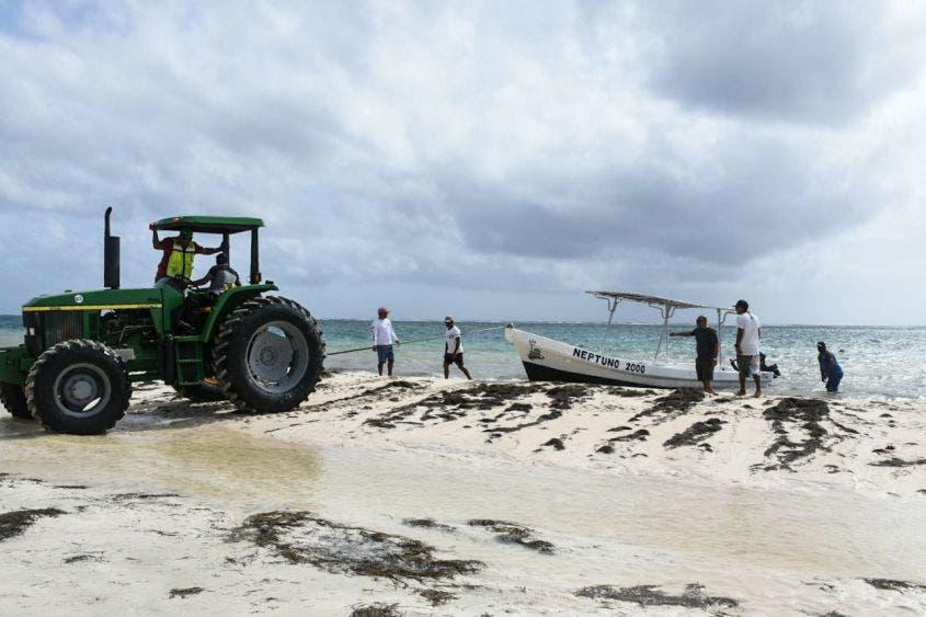 """Se prevé que """"Zeta"""" se convierta en huracán categoría 1 antes de tocar tierra e ingresaría entre Puerto Morelos y Akumal"""
