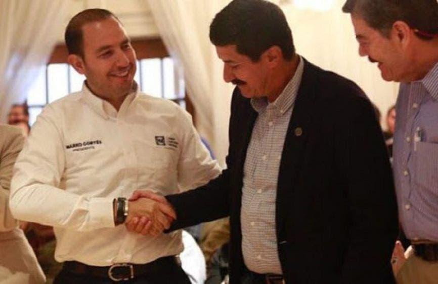Javier Corral teje alianza anti-Marko con Calderón. Puñaladas traperas en el blanquiazul.
