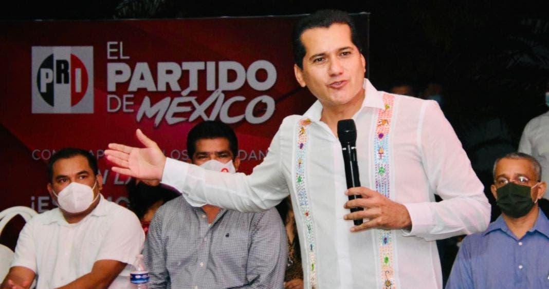 """Líder del PRI pide a priistas: """"si se llevan mucho, repartan algo a la gente"""""""