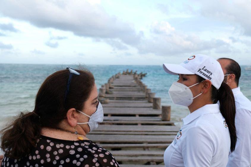 Visitan el muelle de pescadores afectado por el fenómeno hidrometeorológico, sitio emblemático en el que unos 100 mil turistas al año toman un tour al arrecife