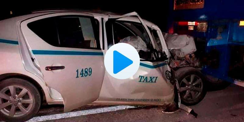 Video: Taxista de Playa del Carmen queda prensado tras chocar.