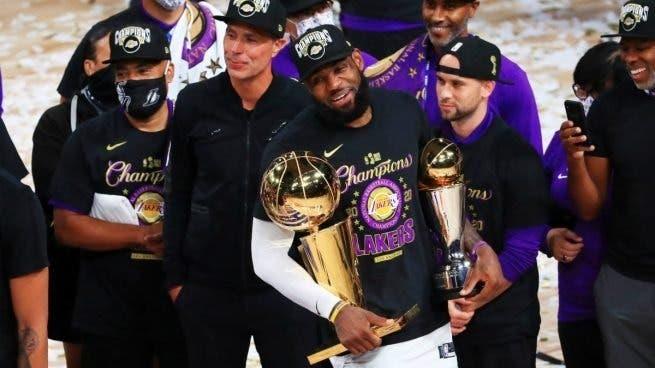 """LeBron James: """"El guardián del tiempo"""""""