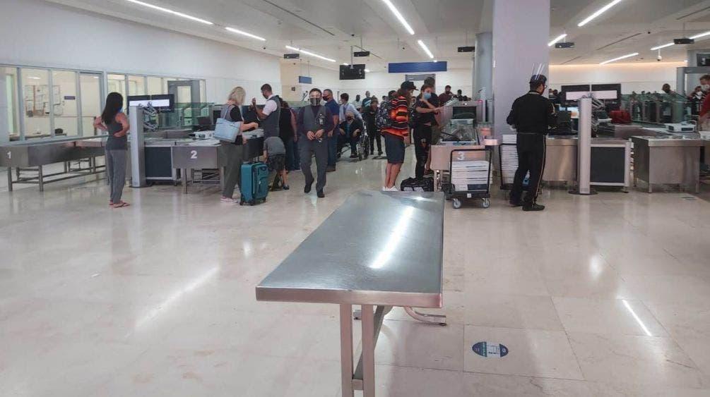 Coinciden en un nuevo sistema migratorio aeroportuario.