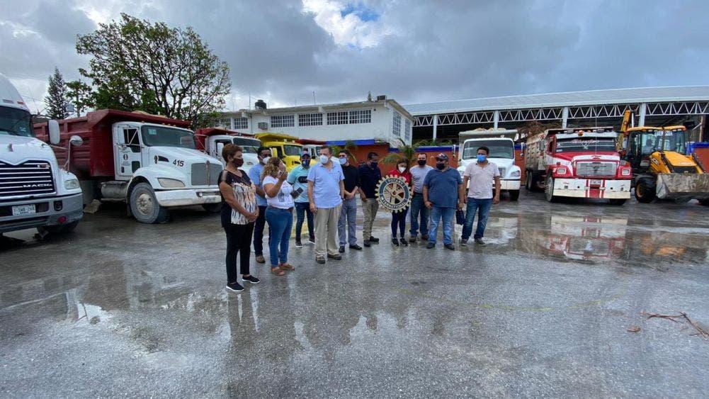 Diputado Federal Luis Alegre junto el Club de Rotario Cancún Internacional