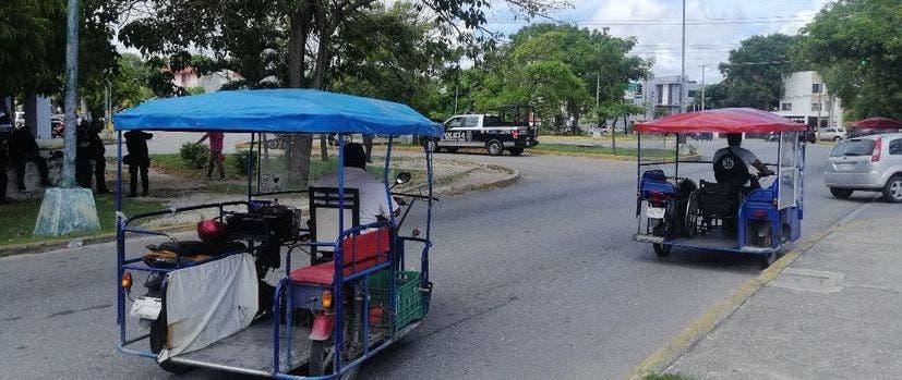 Continúan operativos contra mototaxis piratas en Cancún.