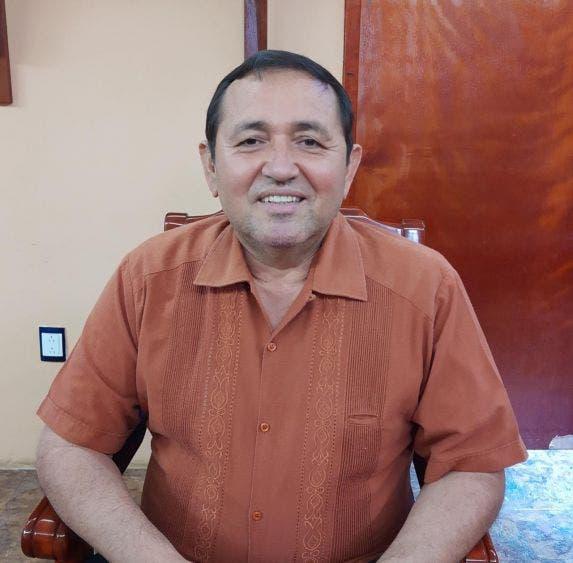 En Lázaro Cárdenas sí habrá acceso a los panteones.