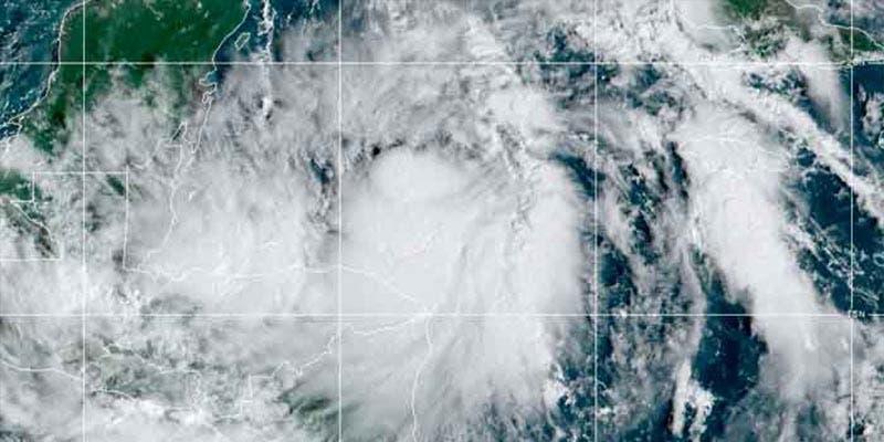 """""""Zeta"""" podría llegar a Quintana Roo como huracán categoría 1"""