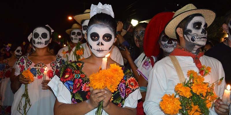 Sancionan a organizadores de fiestas clandestinas de Día de Muertos