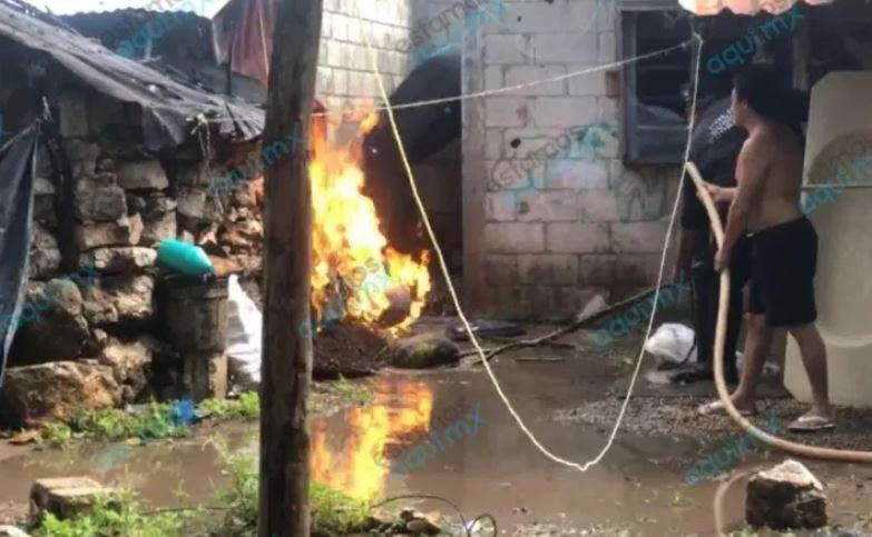 A causa de una fuga de gas, se incendia una casa en Dzidzantún