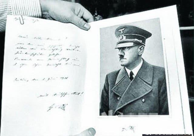 Berlín: Subastan manuscritos de Adolf Hitler por casi 190.000 euros