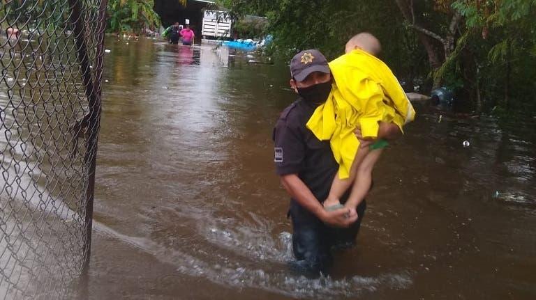 Se registran inundaciones en Motul causadas por las lluvias del frente frío no.9