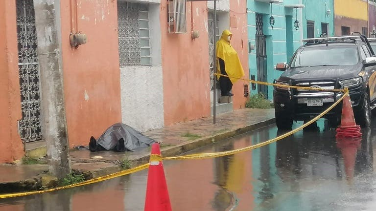 Hallan a un hombre sin vida en calle del Centro de MéridaHallan a un hombre sin vida en calle del Centro de Mérida