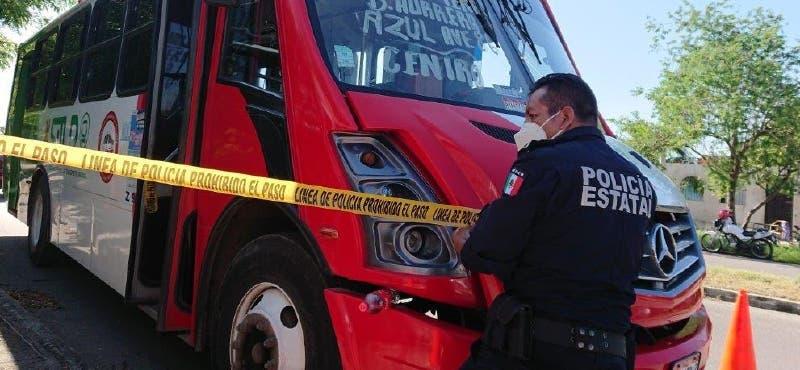 Fallece señor de la tercera edad cuando viajaba en un camión de Mérida