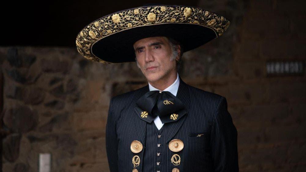 Alejandro Fernández dona un millón de pesos para damnificados en Chiapas y Tabasco
