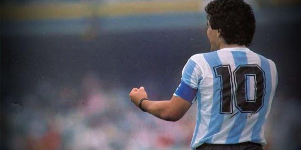 Piden a FIFA quitar el 10 por Maradona