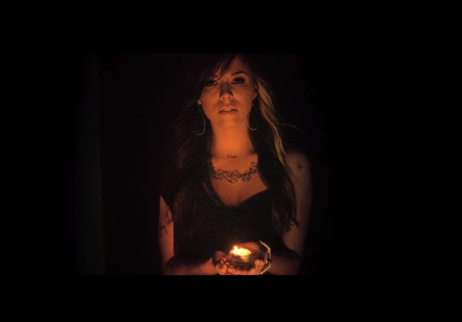 """Ella nació en silencio"", la cantante Christina Perri perdió a su bebé"