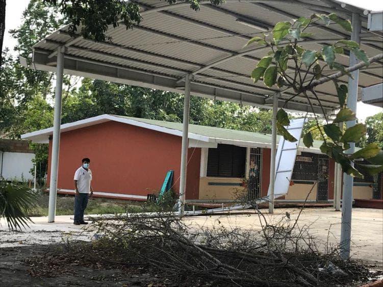 Invertirán 4 mdp para reparar escuelas afectadas por 'Zeta'
