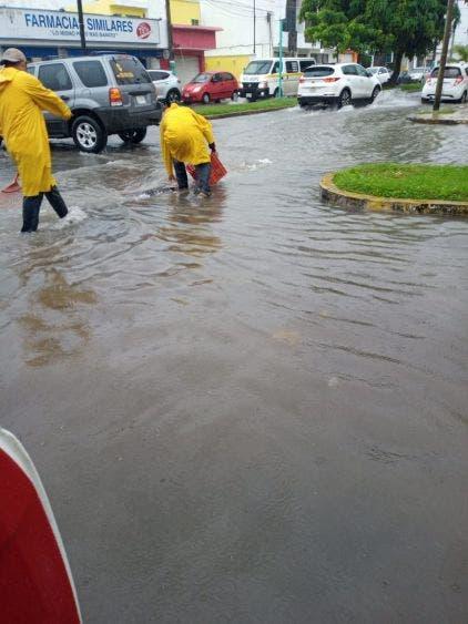 Lluvias dejan encharcamientos e inundaciones en Chetumal.