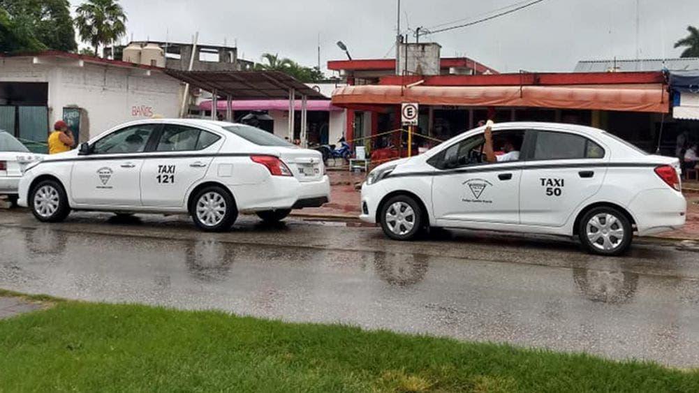 Taxistas y motociclistas los que menos respetan señalamientos viales