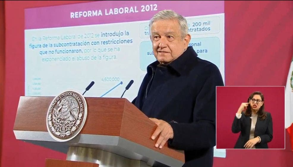 """Reforma al outsourcing """"puede cambiarse"""", AMLO a empresarios"""