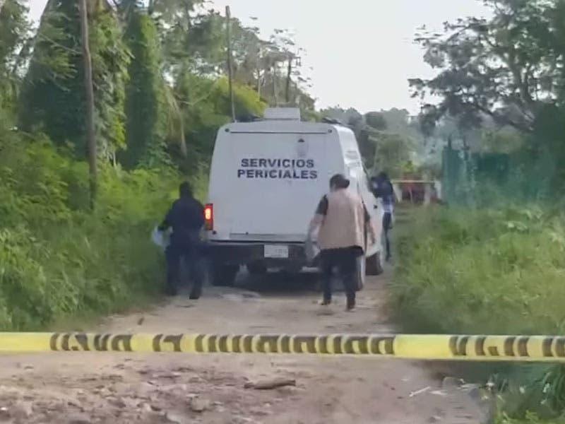 Asesinan a madre e hija en colonia Valle Verde de Cancún; los cuerpos fueron localizados a un costado de un camino de terracería.