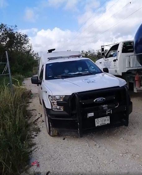 Hallan sujeto asesinado cerca del aeropuerto de Cancún; el cuerpo fue localizado en un camino de terracería por la zona del libramiento.