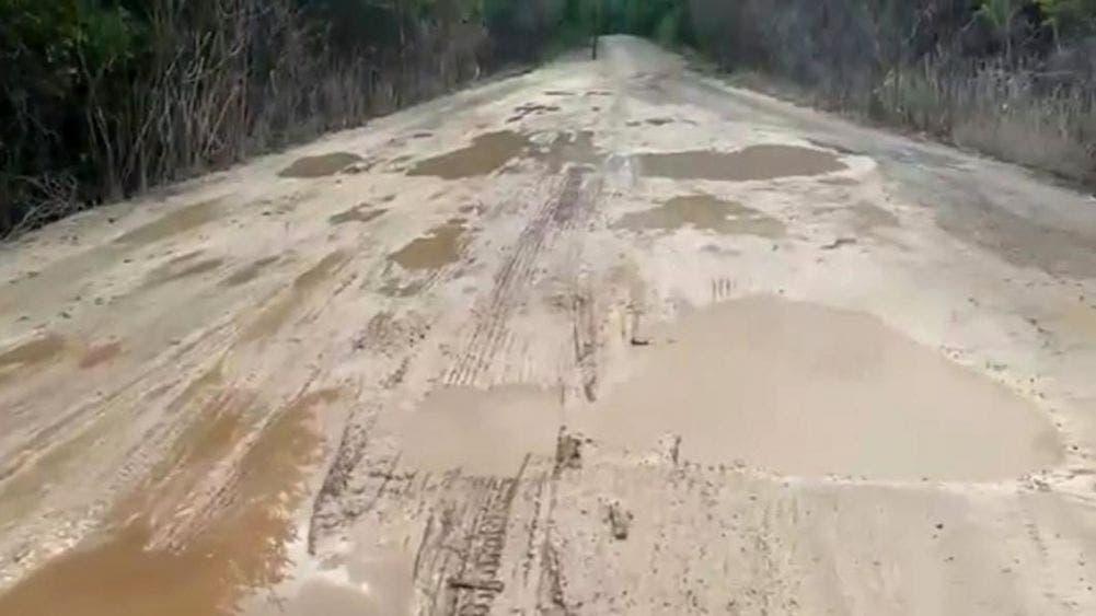 Camino rural entre Mixtequilla y Chan Santa Cruz continúa dañado