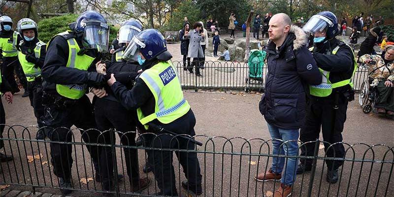 Detienen a 60 personas por protestas anticovid