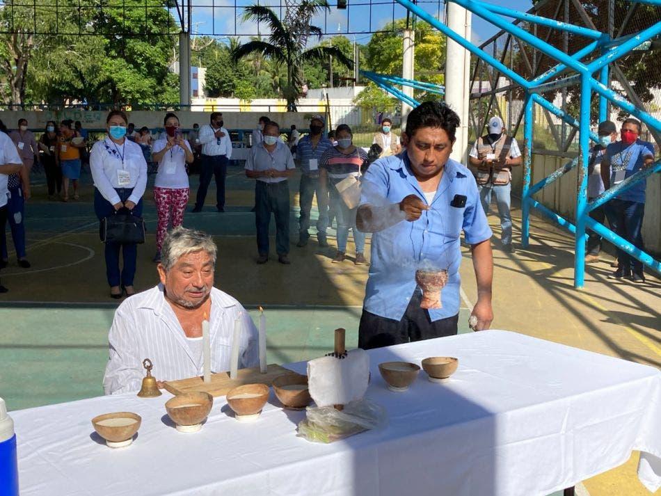 Dialogan con pueblos indígenas de la Península sobre el Tren Maya: participan representantes del gobierno y más de 570 autoridades comunales.