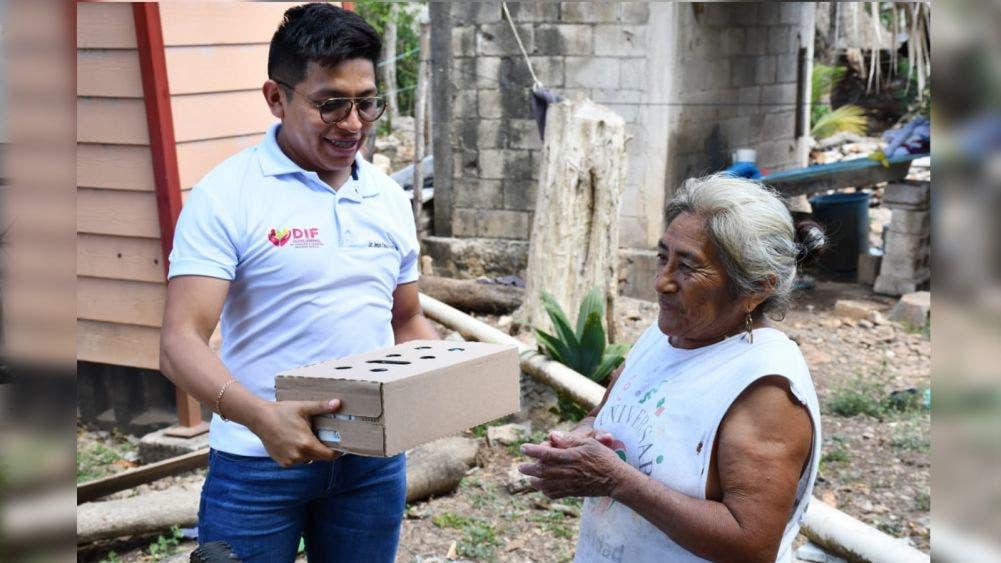 DIF de Lázaro Cárdenas continúa con apoyos por inundaciones