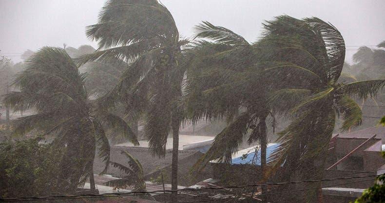 'Eta' toca tierra en Nicaragua como huracán de categoría 4.