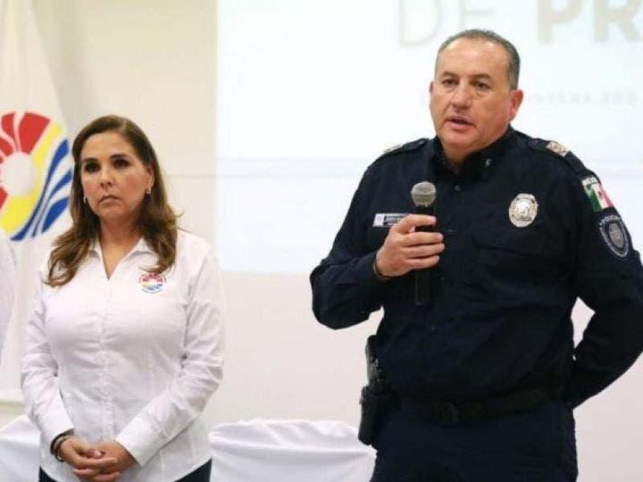Cae jefe policiaco de Cancún por represión a manifestantes.