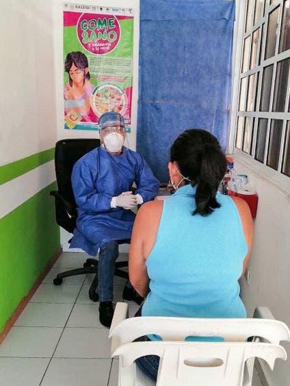 Pide a los portomorelenses y turistas no bajar la guardia ante la pandemia de Covid-19, ya que aún es latente el riesgo de contagios