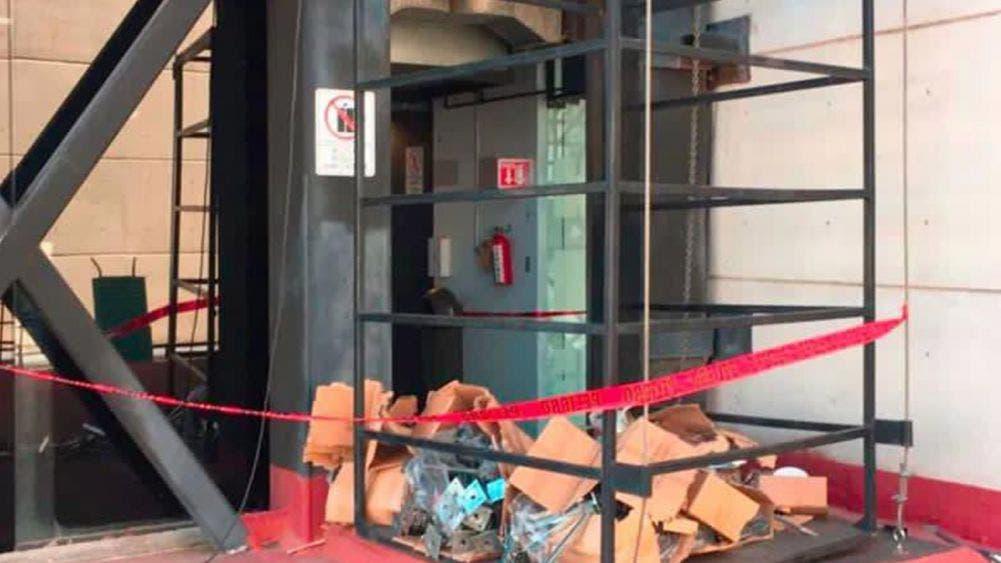 Tragedia en INE de Hidalgo; desploma elevador y deja un muerto