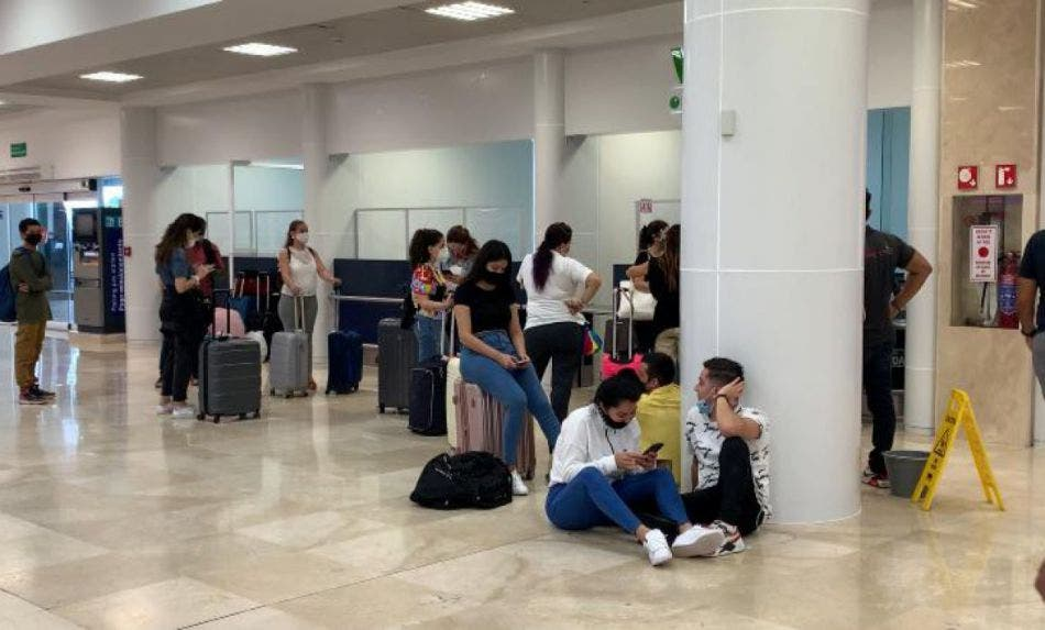 De nuevo Interjet deja varados a pasajeros en Cancún; suspensión de vuelos sin previo aviso afectó operaciones a la Cd de México y Monterrey.