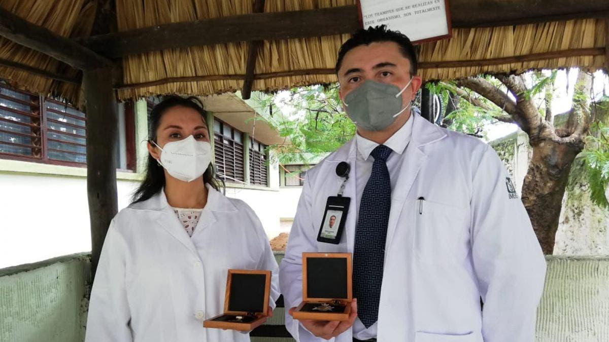 Condecoran a personal médico del IMSS Quintana Roo