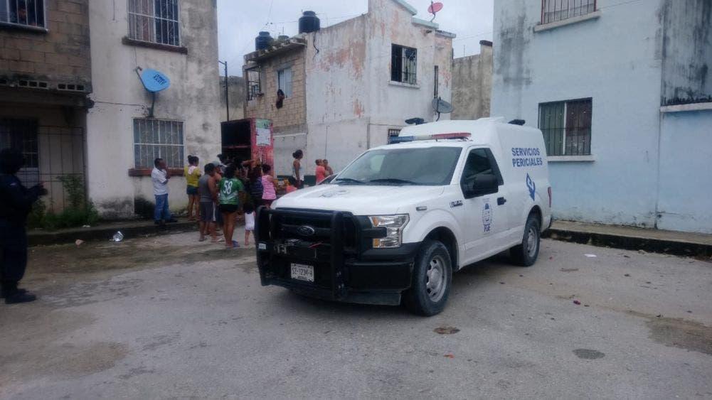 """Muere mujer en dudoso """"suicidio"""" en fraccionamiento de Cancún"""