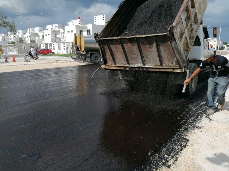 Para evitar mayores afectaciones a la ciudadanía, seguirá el reencarpetamiento en pequeños tramos, el primero de ellos entre Tlacuache y Jaguar norte, que ya inició