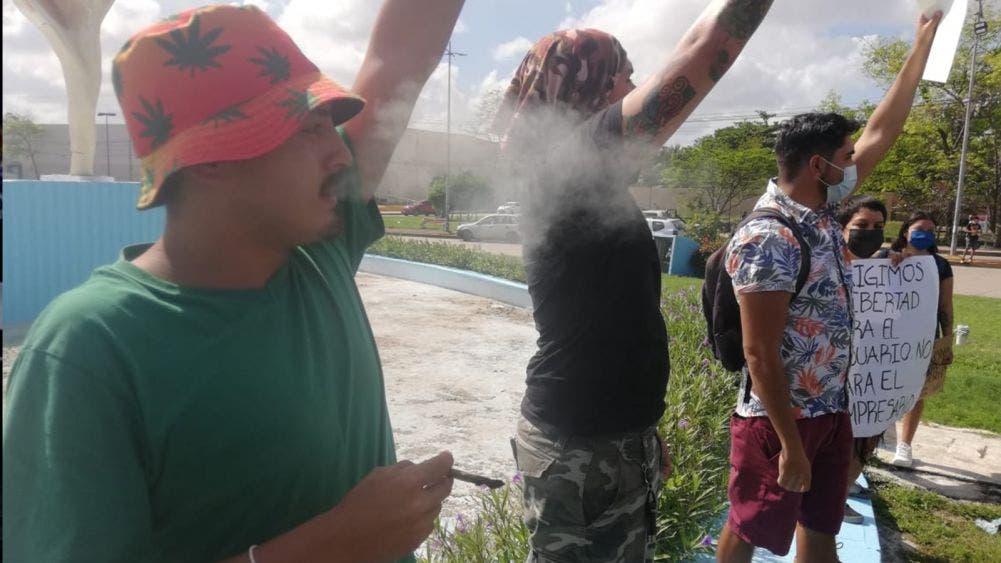 Protestan en Cancún contra la legalización de la marihuana
