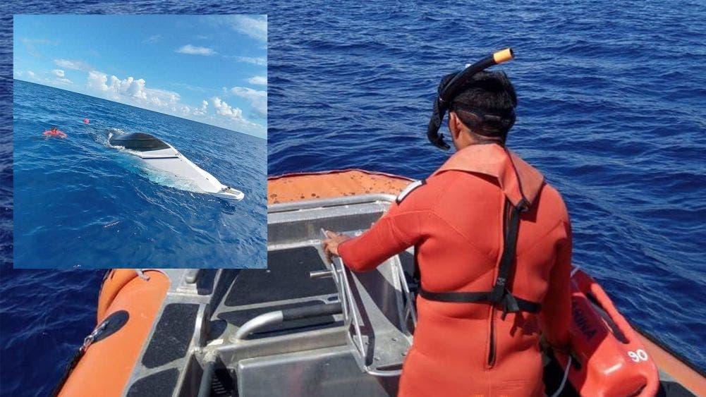 Rescata SEMAR a dos personas que naufragaron en Puerto Aventuras