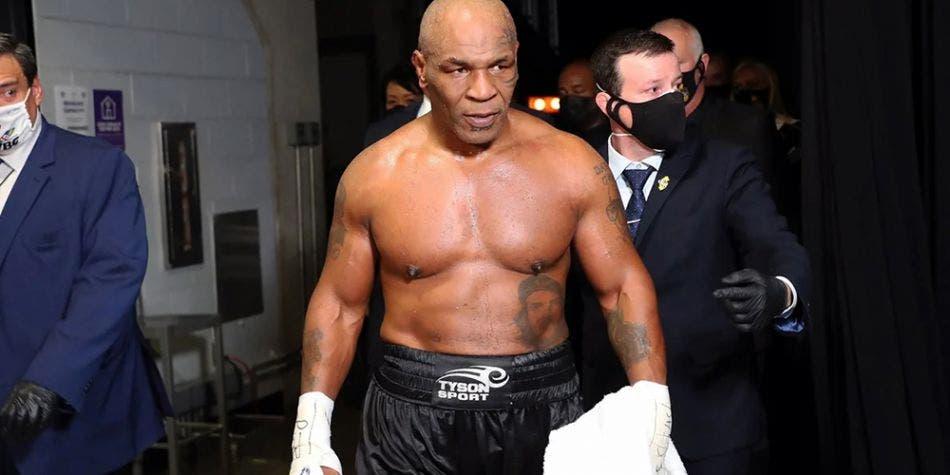 Tyson confiesa que fumó marihuana antes de pelear contra Roy Jones Jr
