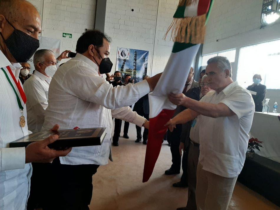 Dirigencias campesinas, petroleras y mineras suscriben el Convenio de Unidad por México