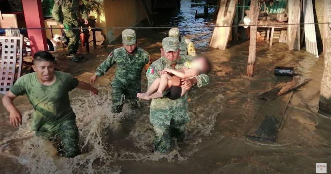 Reviven soldados a niño ahogado en Tabasco