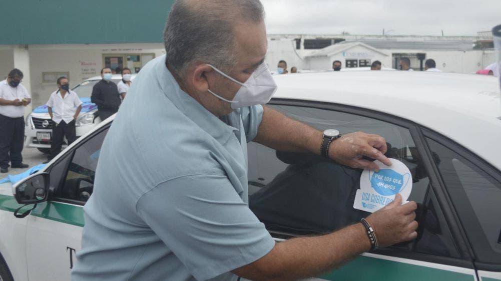Promueven Taxistas de Cancún uso correcto de cubrebocas