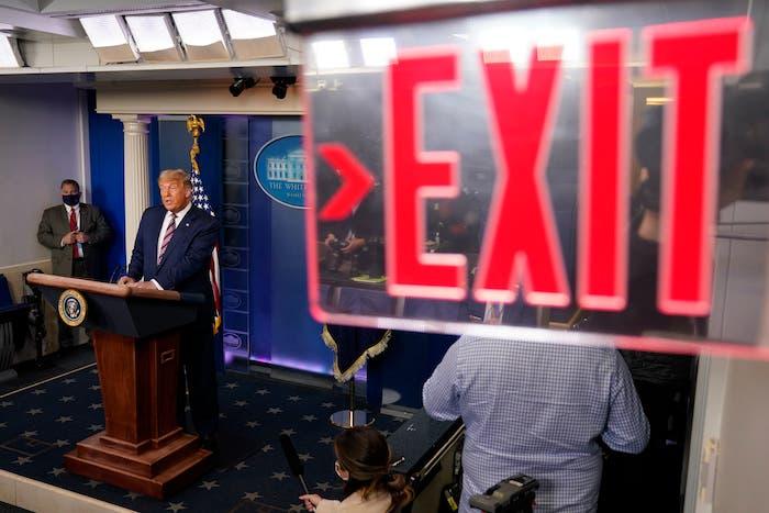 Muchos ya le señalan a Donald Trump el rumbo de la salida de la Casa Blanca.