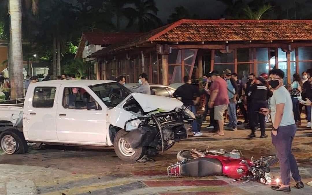 Conductor ebrio causa trágico accidente en el Malecón de Cozumel.