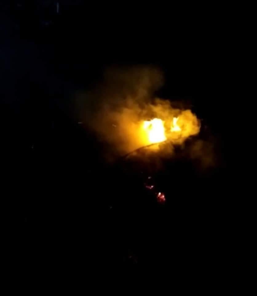 Atienden reporte de quema de plásticos en Holbox.
